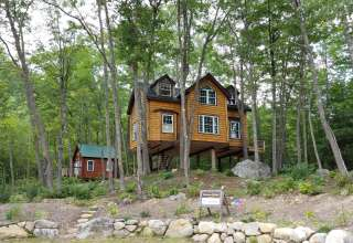 Maine Treehouse Rentals