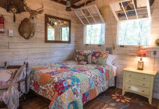 Glamping at Deer Camp Cabin