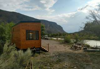Tiny House, Big River