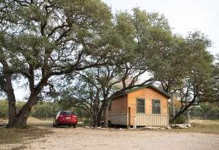 Vintage Oaks Farm - Cabin