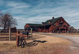 Gorgeous Barn Property
