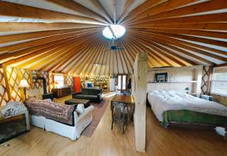 Adirondack Yurt @Bluepepperfarm