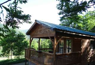 Asheville's Country Retreat!