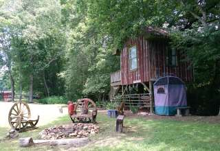 Glamping Treehouse