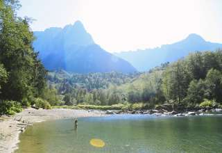 Index, WA . Skykomish River