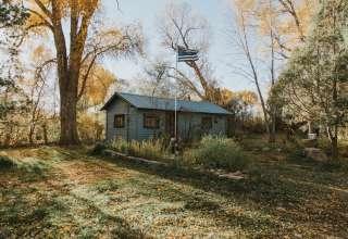 Chameleon Rustic Cabin