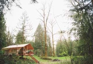 Riverfront Camp near Mt. Hood