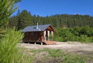 G & G's Tiny Cabin