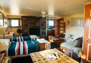 JX Ranch Bunkhouse - Longhorn R