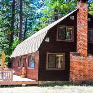 Cozy Cabin in Shaver Lake