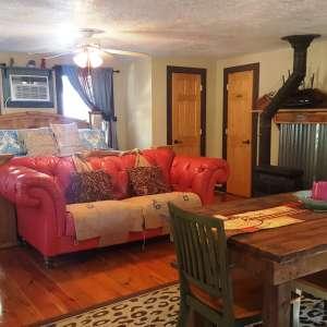 Cozy Cabin in Da Piney Woods!