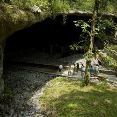 Cathedral Caverns Campground