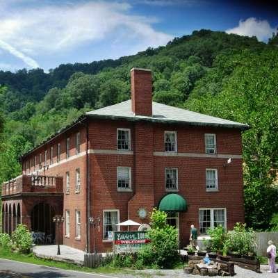Elkhorn Inn & Theatre Camp