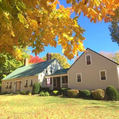 historic 1790 farmhouse room