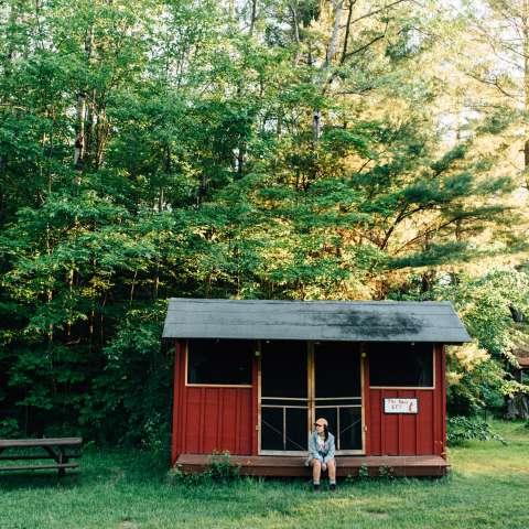Rustic Cabin 1: Red Eft