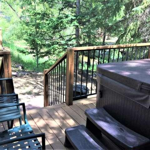 Riverfront Pinecone Cabin