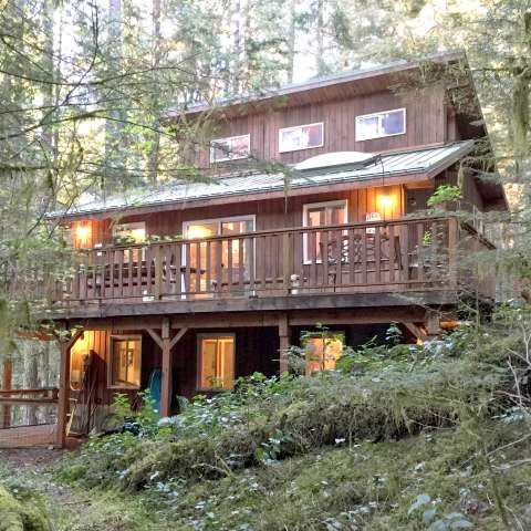 Mt. Baker Lodging – Cabin #6