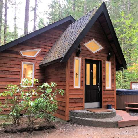 Mt. Baker Lodging – Cabin #16