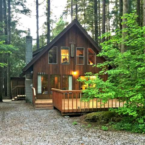 Mt. Baker Lodging – Cabin #35