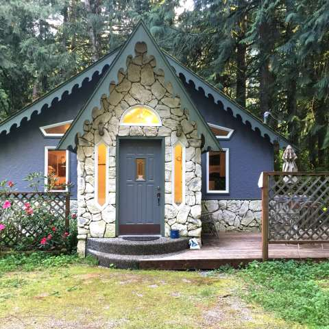 Mt. Baker Lodging – Cabin #60