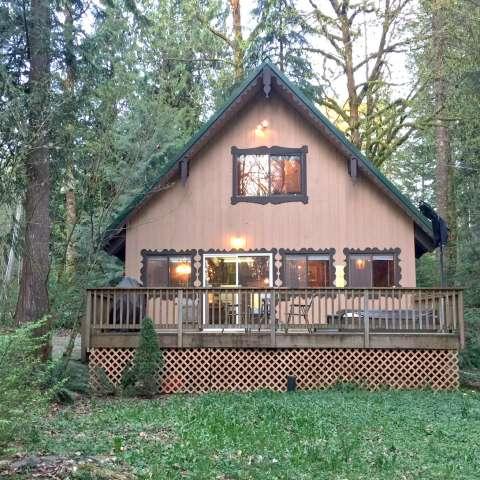 Mt. Baker Lodging – Cabin #22