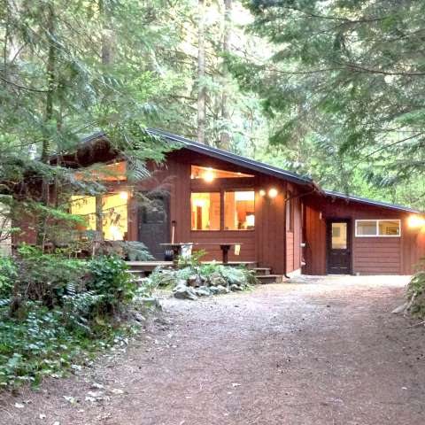 Mt. Baker Lodging – Cabin #23