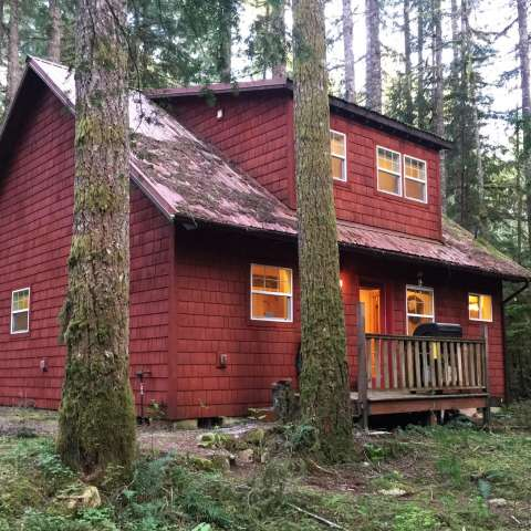 Mt. Baker Lodging – Cabin #12