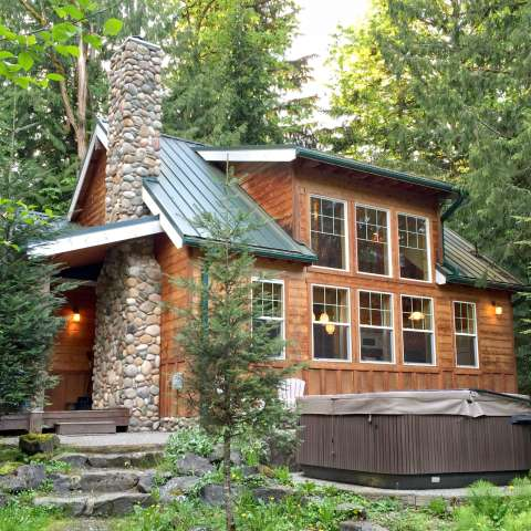 Mt. Baker Lodging – Cabin #11