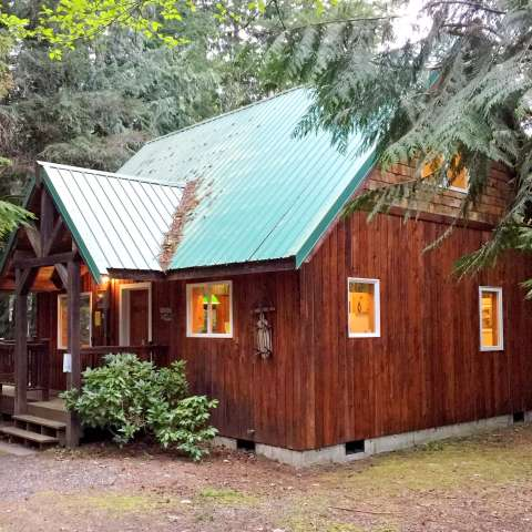 Mt. Baker Lodging – Cabin #32