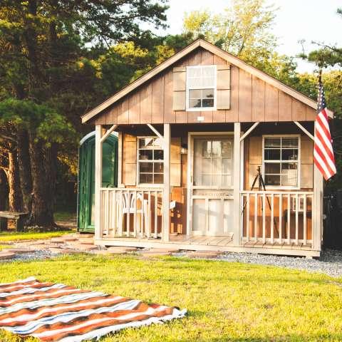 Modern Tiny House Primitive Cabin