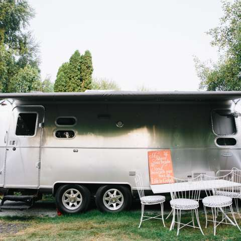 """RIVET"" Airstream Flying Cloud"