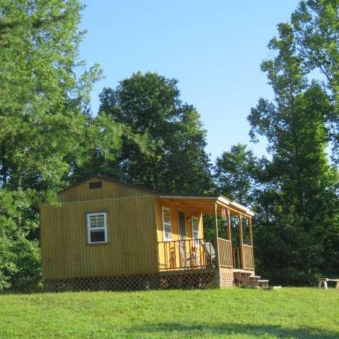 Hilltop Cabin: Upscale Camping!