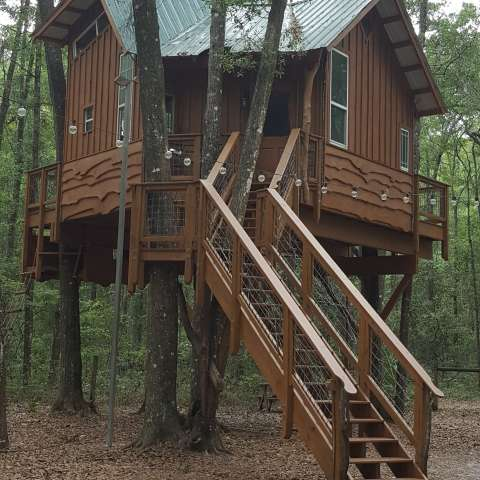 Tree House Cabin Retreat
