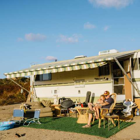 1970 Retro RV on 170 Acre Ranch