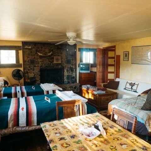 JX Ranch Bunkhouse Longhorn Roo