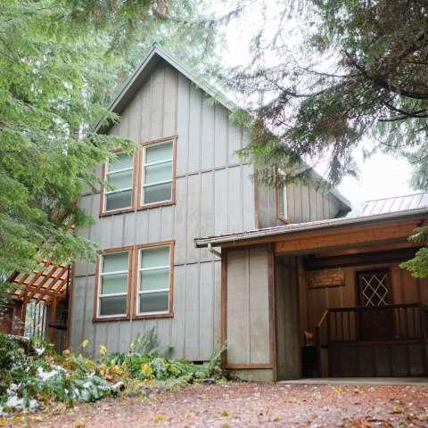 Mt. Baker Lodging – Cabin #70