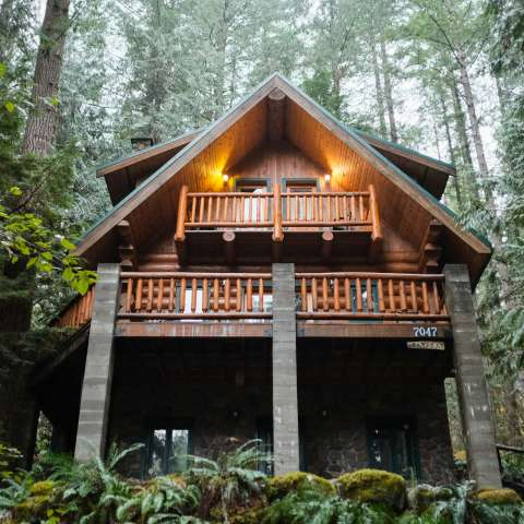 Mt. Baker Lodging – Cabin #47