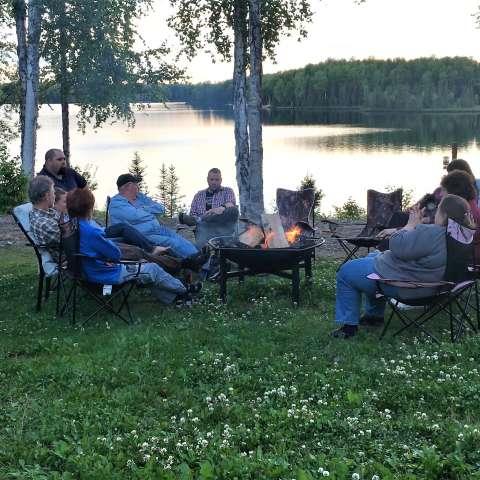 Lakefront Remote Alaska Lodge!