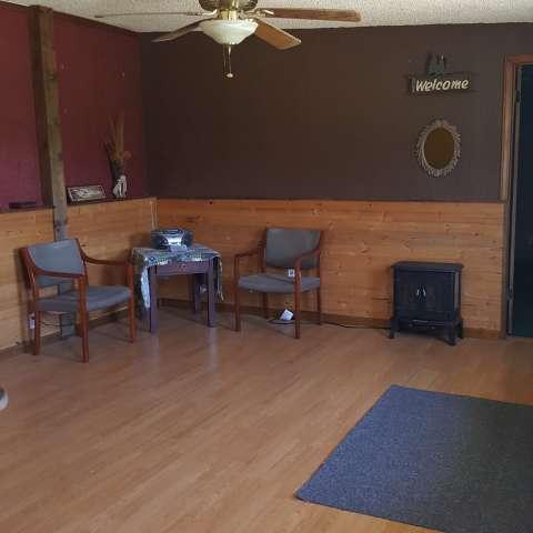 Grins & Pickin's CampFarm-Suite