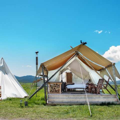 Rushmore Deluxe with Tipi