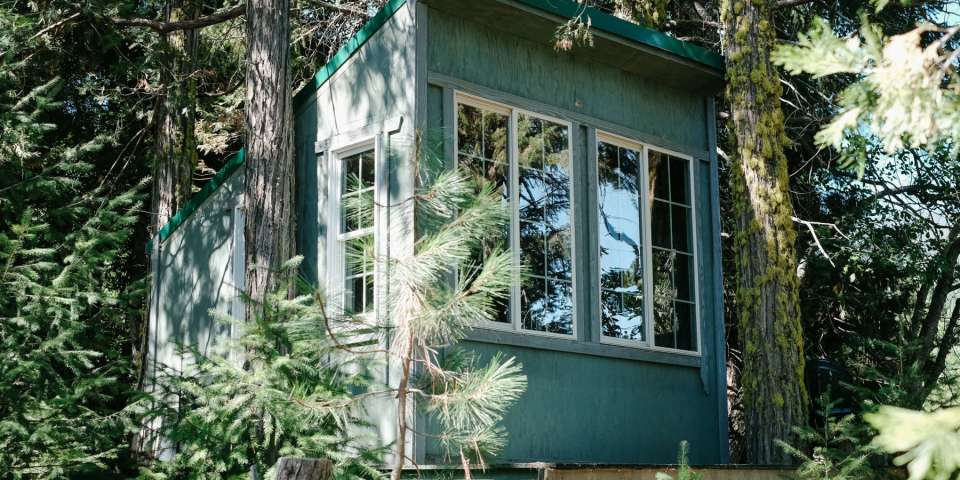 Pacific Northwest Cabins to Keep You Warm this Winter