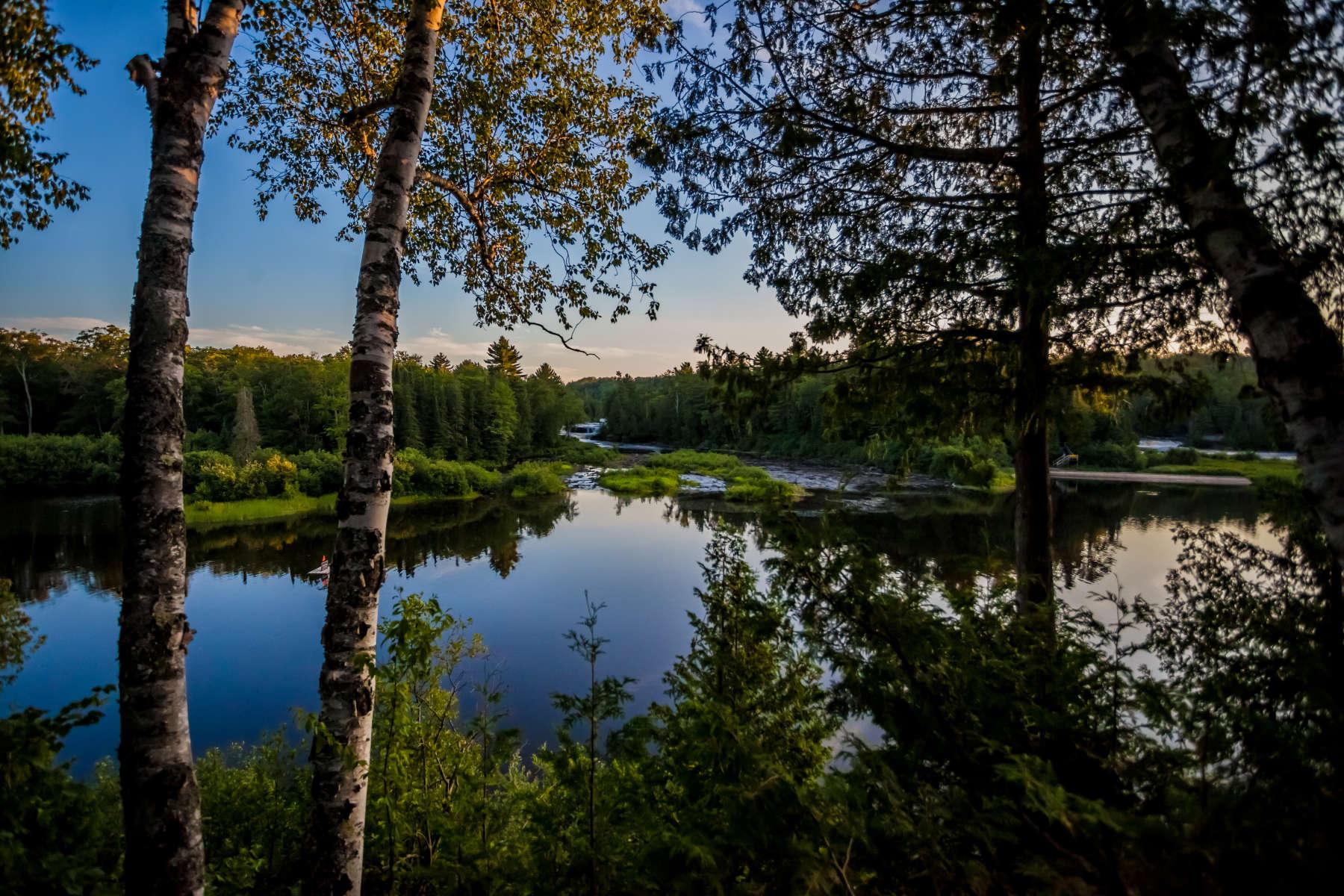 Tahquamenon rivermouth campground tahquamenon falls mi for Newberry motors newberry michigan