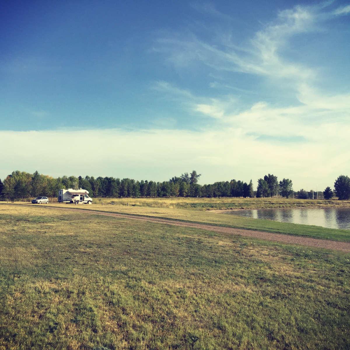 Best camping in and near lake sakakawea state park for Lake sakakawea fishing report