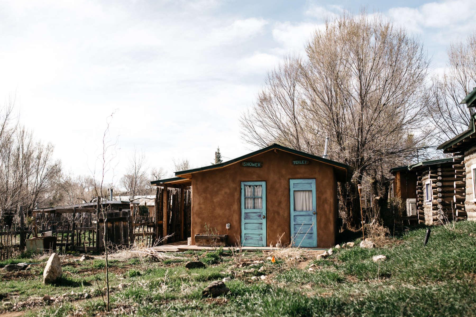 Dh lawrence eco cabin taos goji eco lodge farm nm 1 for Cabins in taos nm