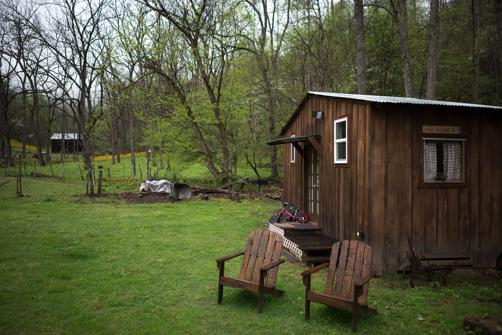 The nut house tawney farm wv 2 hipcamper reviews and 30 for Pecan house