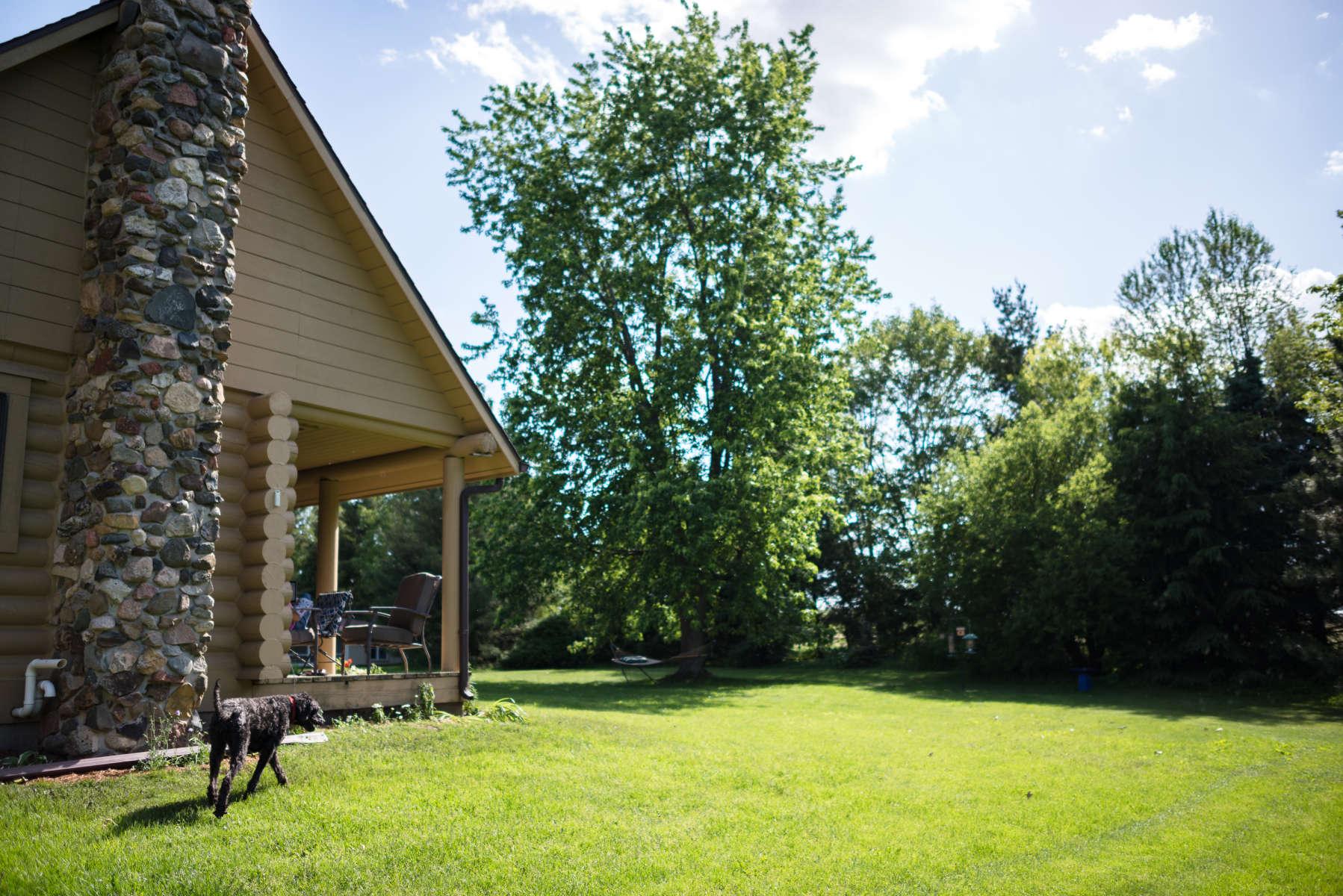 Log cabin retreat still point farm wi 2 hipcamper for Log cabin retreat