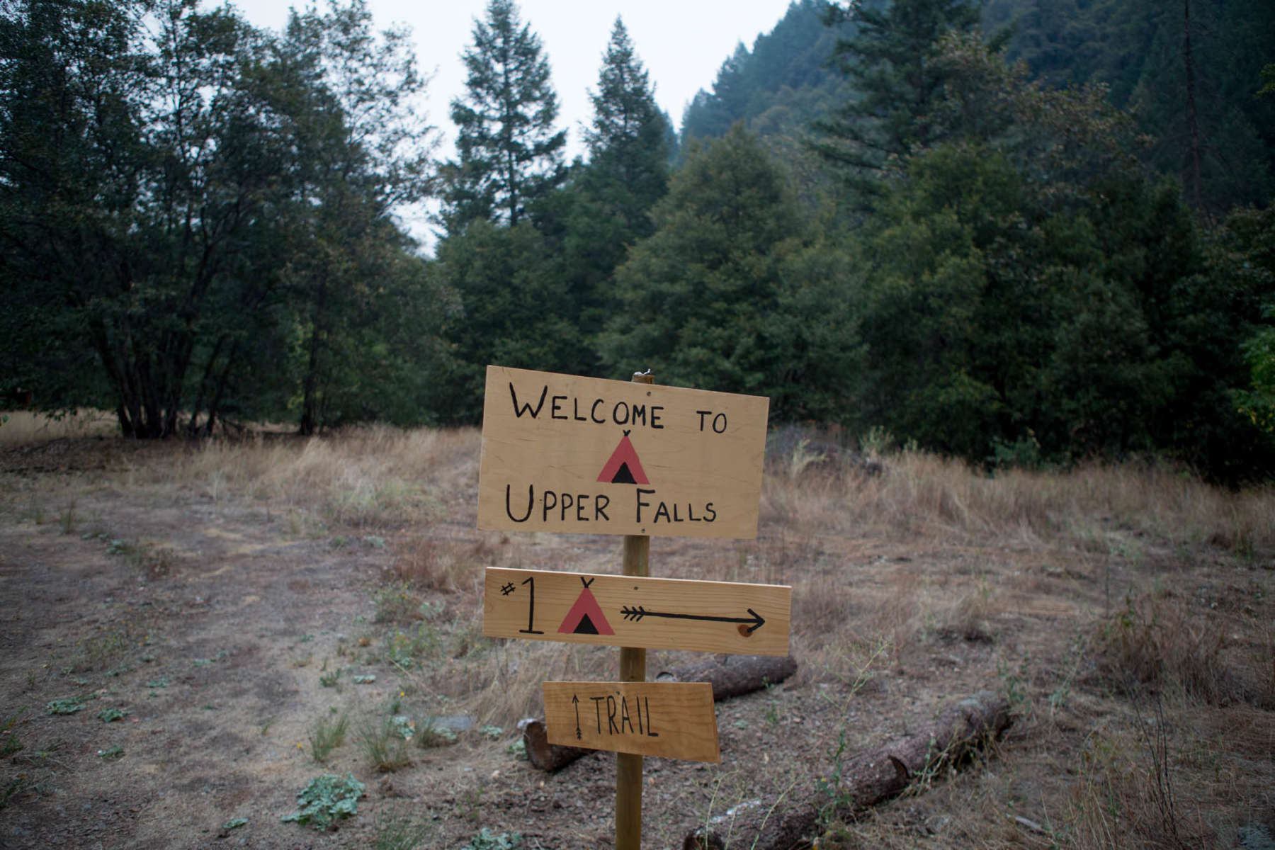upper falls girls 2015-1-28 girls track and field boys track and  amherst woman falls to death while hiking in  goldman died after she fell 15 feet into an area known as upper falls.