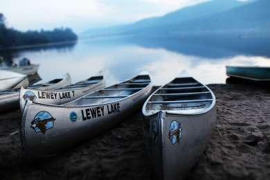 Boat rentals at Lewey Lake