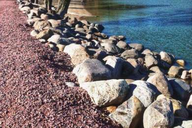 If you love a good rocky beach in Minnesota , Lake Shetek State Park is the place to go .