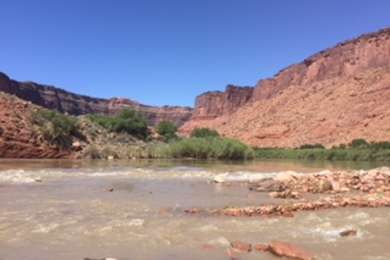 campsites back up to the colorado river